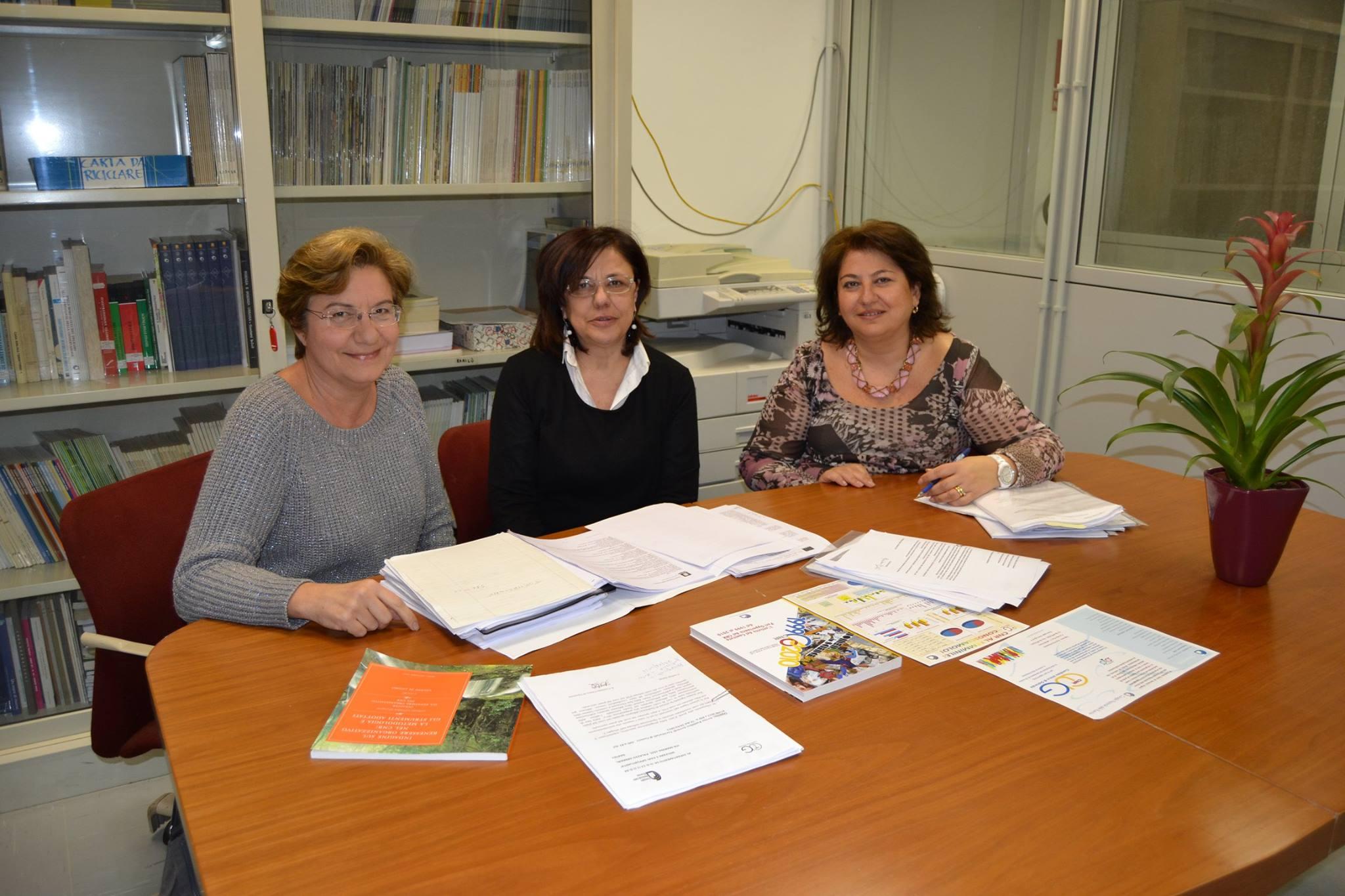 in foto da sinistra: Mariarosaria Capobianco, Giovanna Acampora e Cinzia Del Giudice della 5 Municipalità