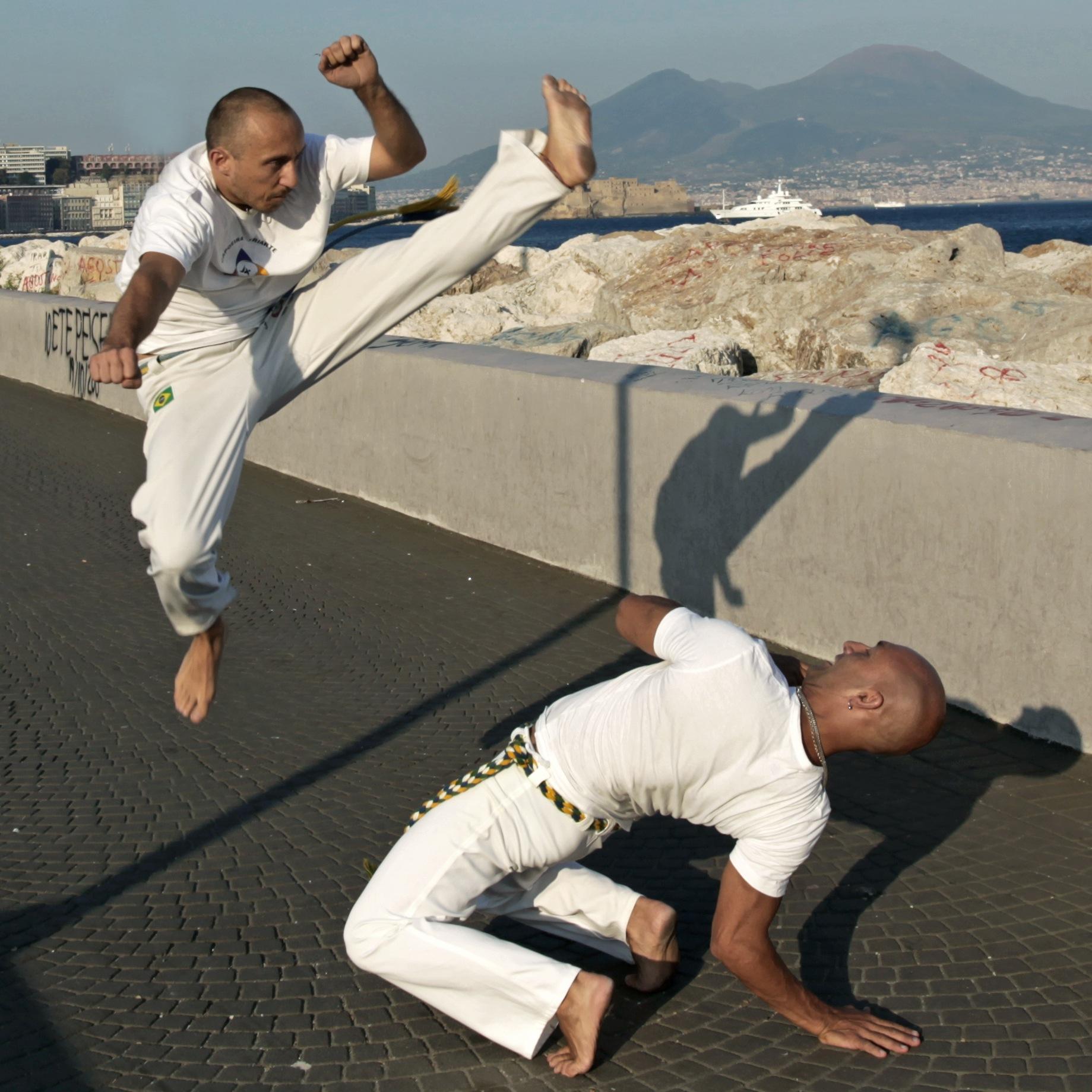 capoeira con vesuvio
