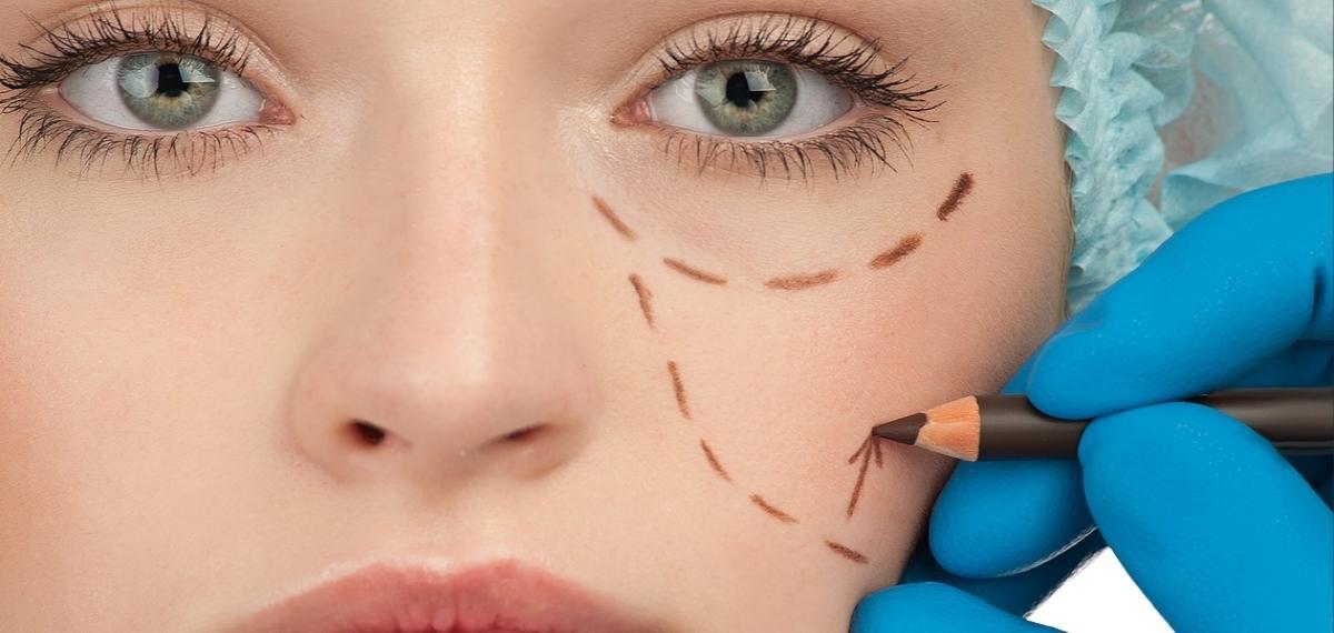 ob_818e6b_chirurgia-estetica-e-rischi
