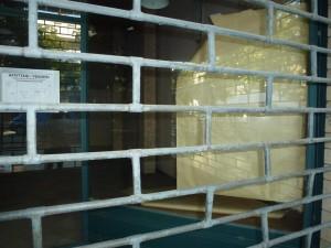 negozio-chiuso-crisi-fallimento-vendita-300x225