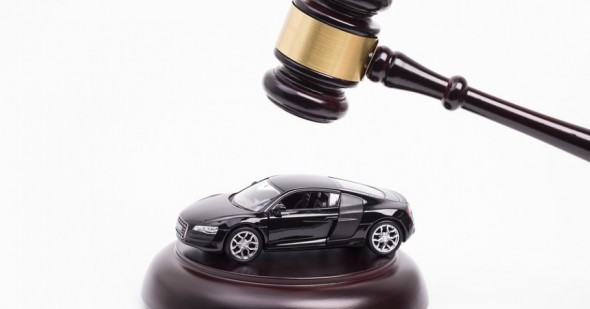 bigstock-Gavel-on-car-70061512-860x450_c-e1443683304138
