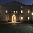 Villa Flridiana illuminata per l'inaugurazione della mostra di Ugo Marano