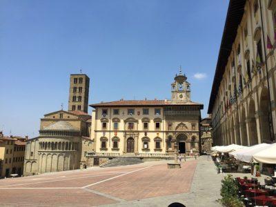 Piazza_Grande,_Arezzo