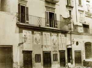 teatro San Carlino poco prima di essere abbattuto 1884